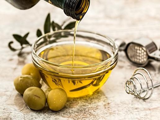 Olivenernte in der Toskana -  vom Baum auf den Tisch: das grüne Gold