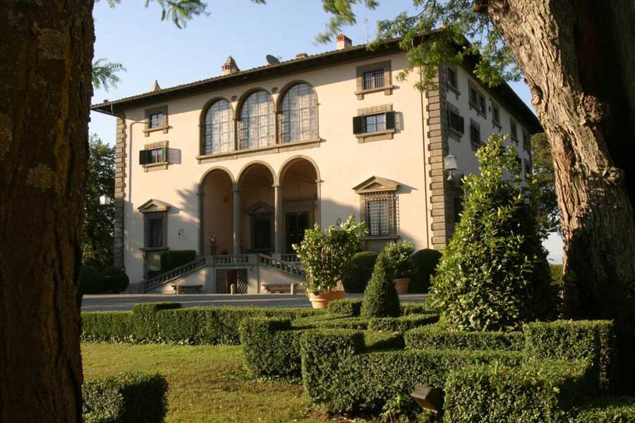 holiday-home-holiday-in-tuscany-holiday-accommodation-villa-in-tuscany-villa-for-families-for-groups-tuscan-vacation-with-friends-.jpg