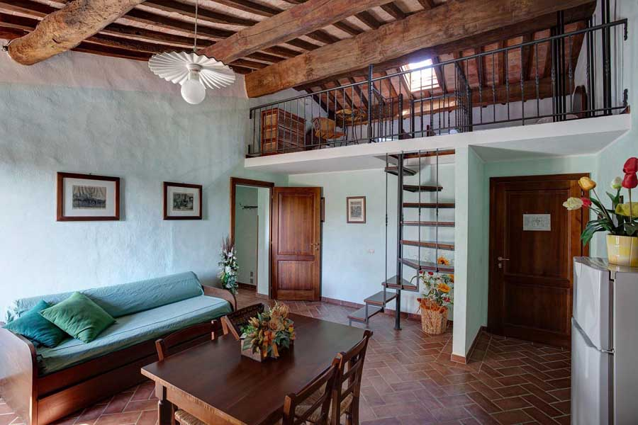 holidayapartments-wineestate-family-families-children-breakfast-pool-garden-tuscany-peccioli-terricciola.jpg