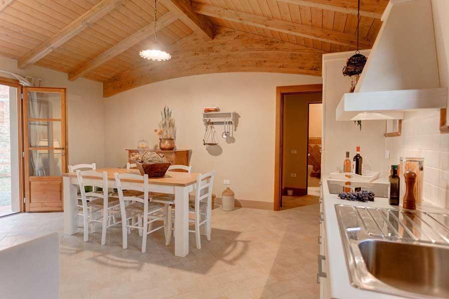 urlaub-appartments-pool-weinverkostung-weingut-panoramablick-toskana-pisa-florenz.jpg