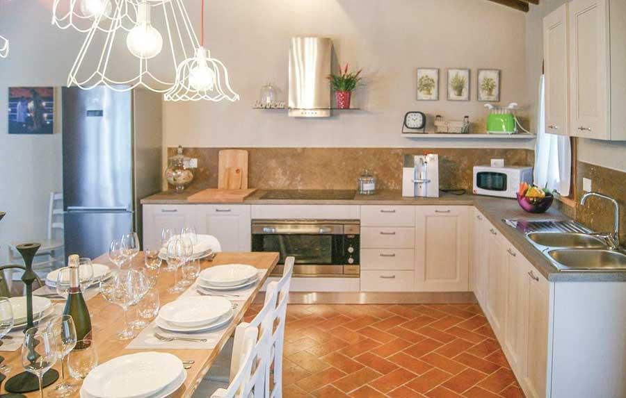 itp570_kitchen_02.jpg