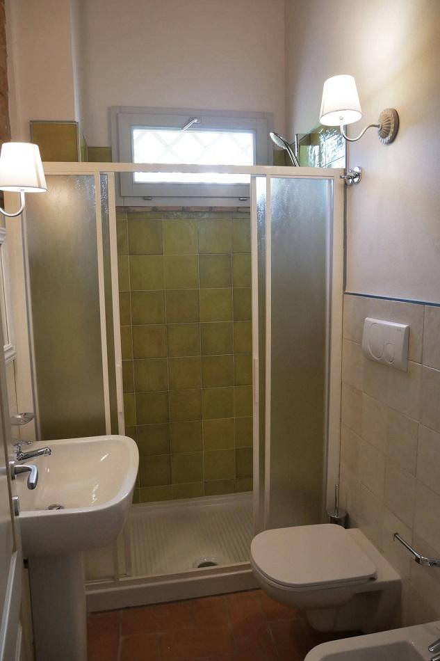 bathroom-beb-toscana.jpg