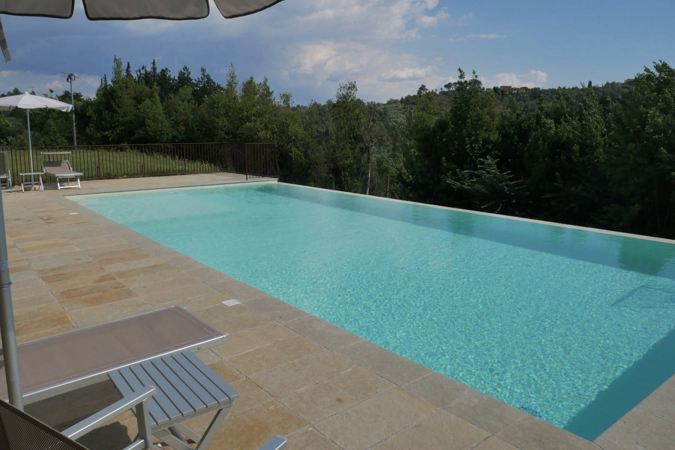 piscina02-fileminimizer.jpg