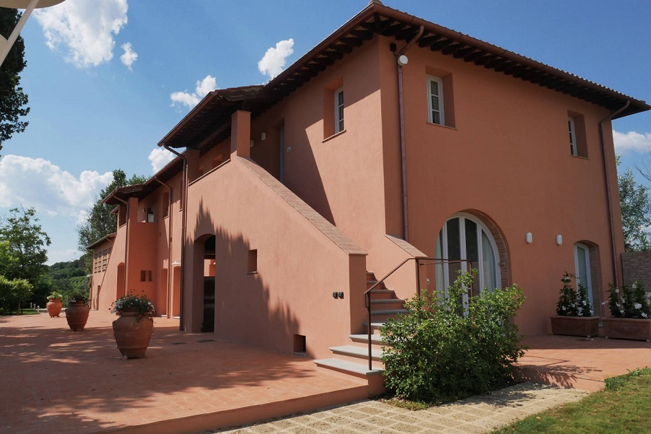 tuscany-holiday-in-a-new-tuscan-style-bed-and-breakfast.jpg