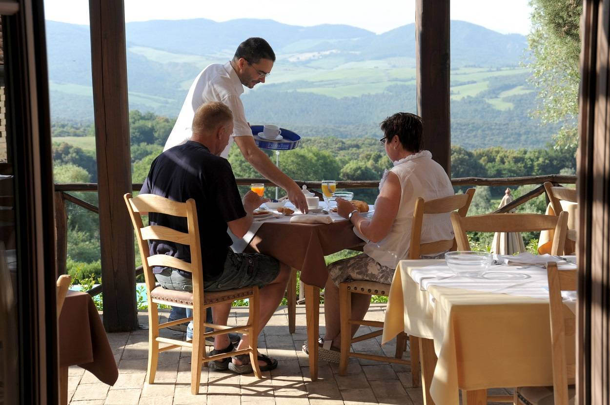 possibility-to-dinner-with-typical-tuscan-dishes.jpg