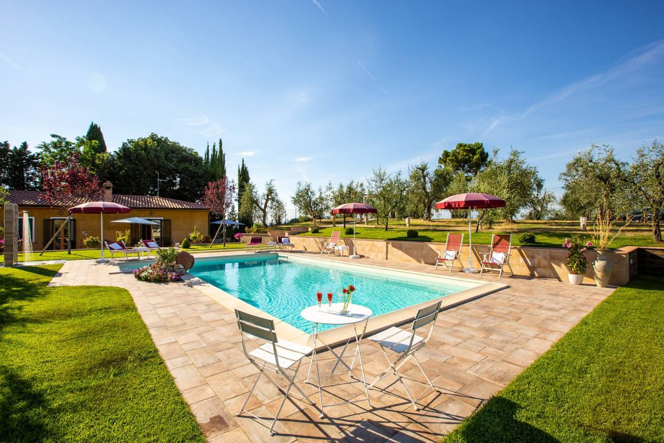 casavista-kleine-villa-mit-pool.jpg