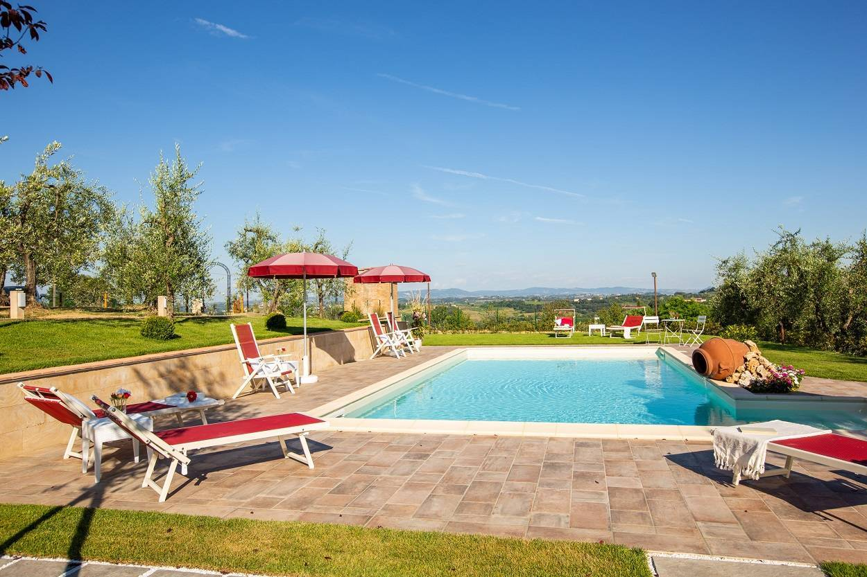 holidayhome-holiday-home-with-swimmingpool-pool.jpg