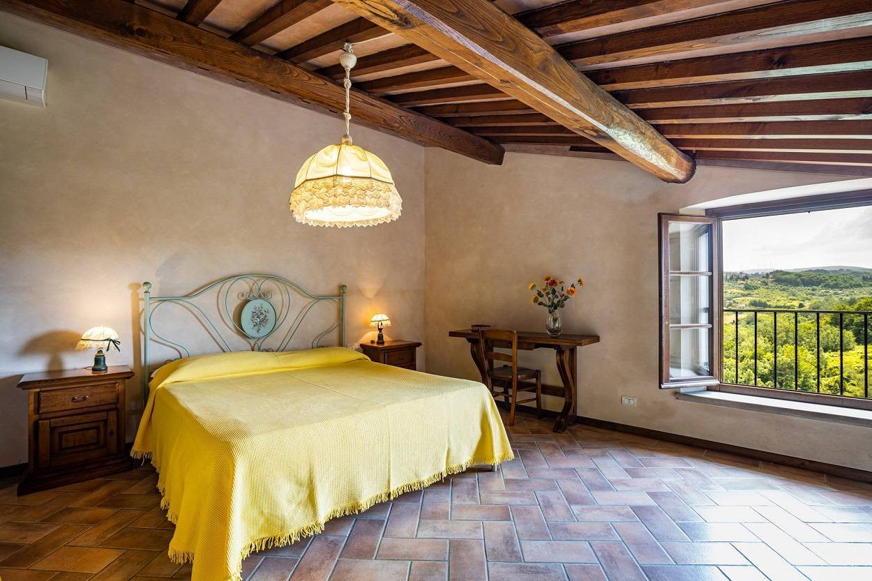 agriturismo-castello-arrivals-and-departures-free-of-choice.jpg