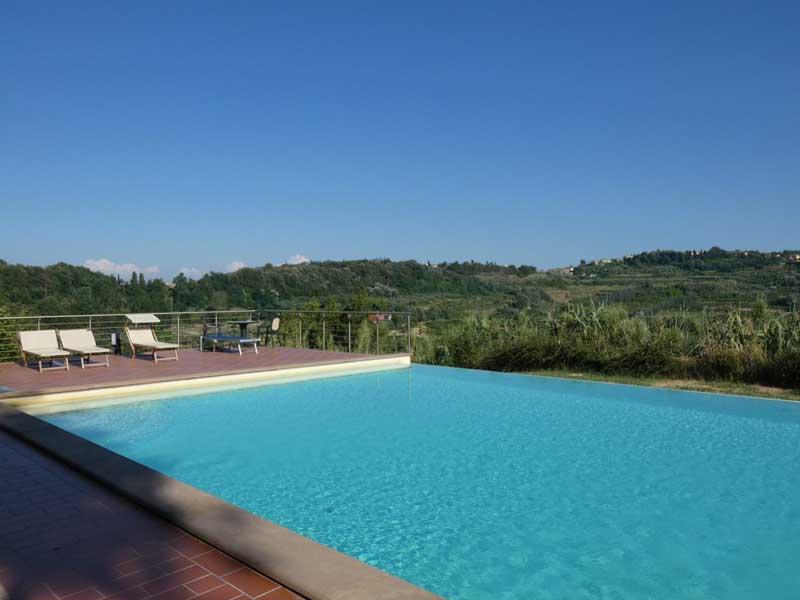 tuscany-pisa-lari-pool.jpg