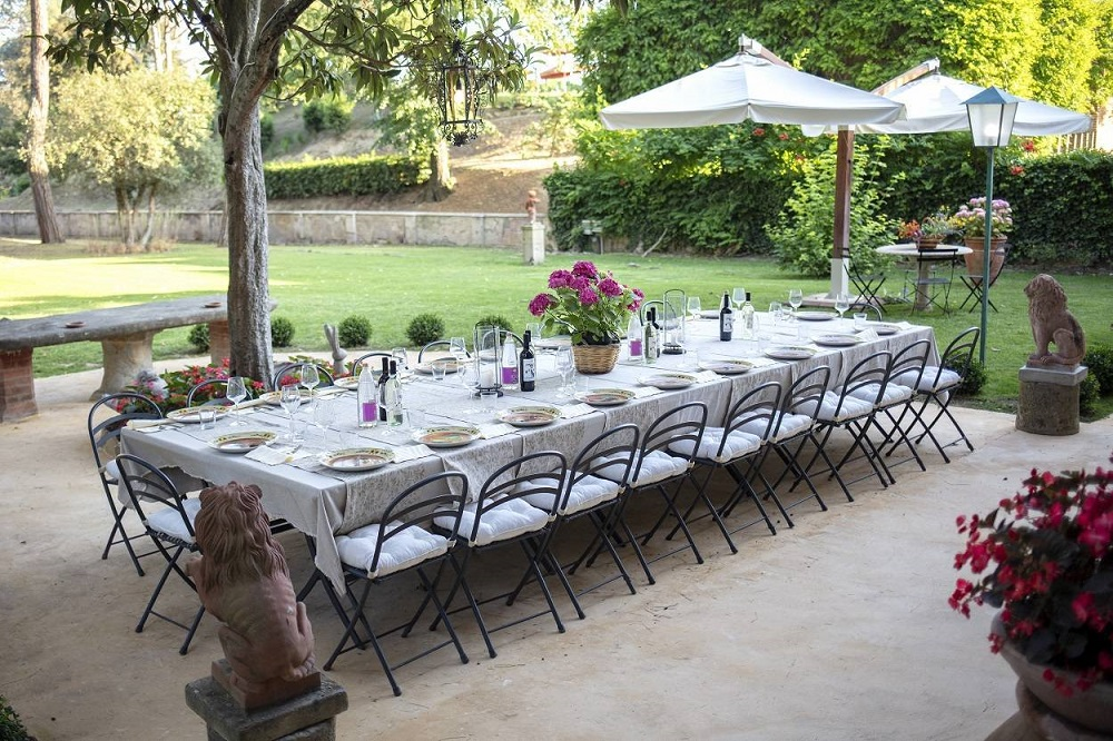 lovely-villa-tuscany-nature-perfect-for-event.jpg