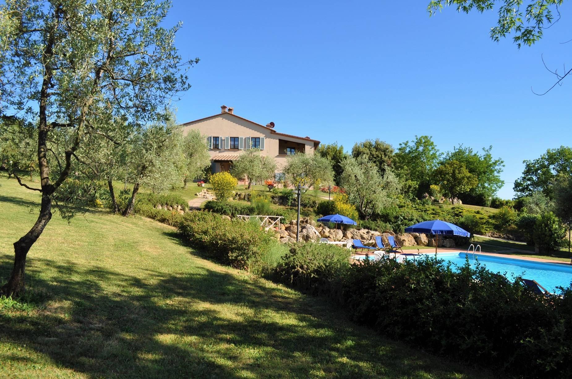 casale-pool-fereinhaus-toskana.jpg
