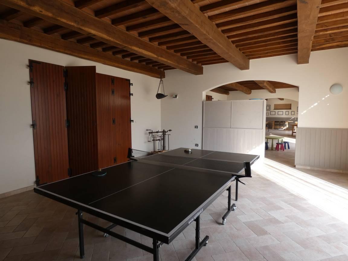 ping-pong-table-podere-spinaie-italien-toskana-urlaub.jpg