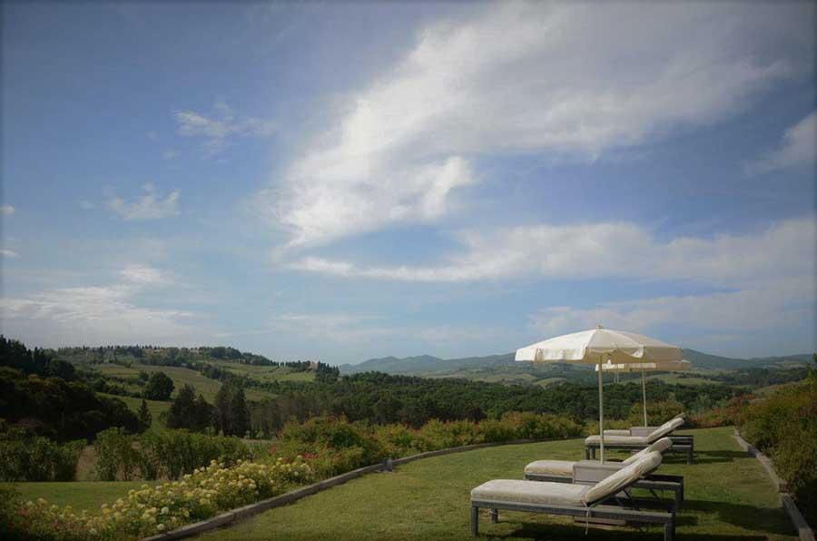 tuscany-idyllic-landscape-peccioli-pisa.jpg