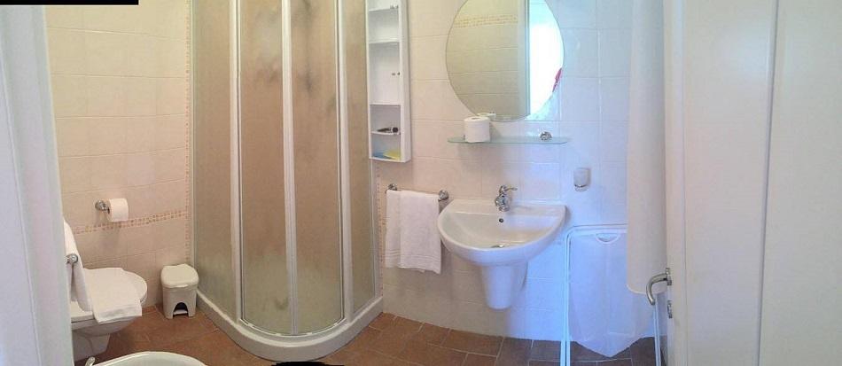 schlafzimmer-mit-badezimmer.jpg