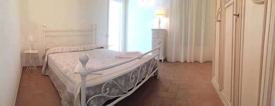 bedroom-apartment-marino-bianco.jpg