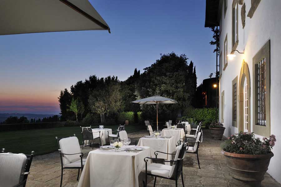 beautifulvillaforrentwithapartmentsorhotelserviceinthemiddleoftuscanyhills.jpg